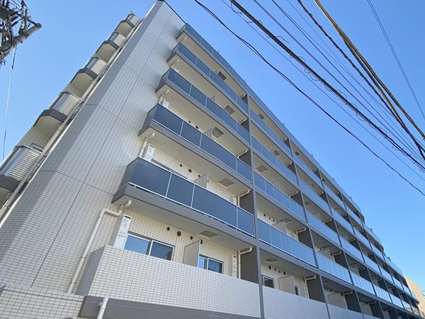プレールドゥーク新宿West